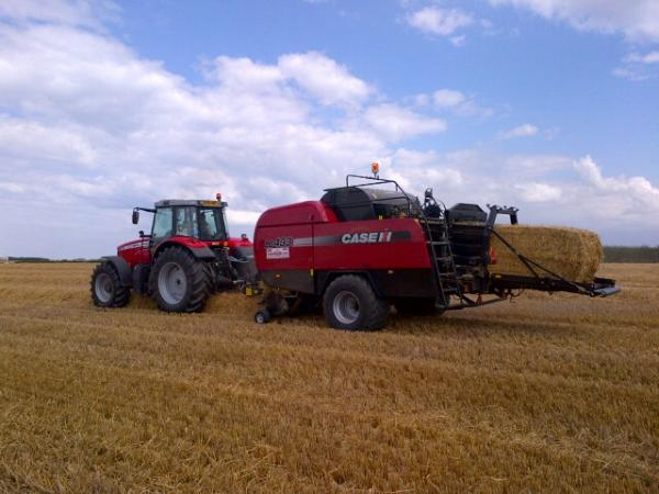 The new Case LB433 baler - awesome!